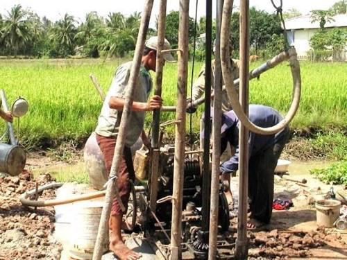 Người dân đảo Lý Sơn loay hoay tìm nước ngọt.
