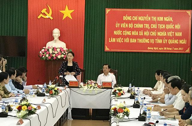 Chủ tịch Quốc hội Nguyễn Thị Kim Ngân tại buổi làm việc với tỉnh Quảng Ngãi.