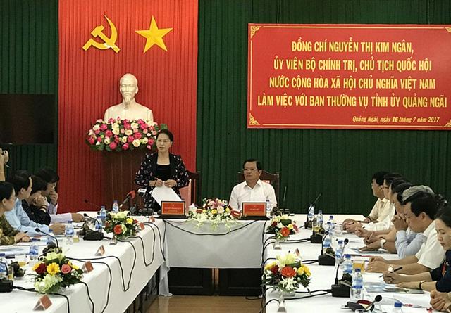 Chủ tịch Quốc hội Nguyễn Thị Kim Ngân vừa đến thăm và làm việc tại Quảng Ngãi