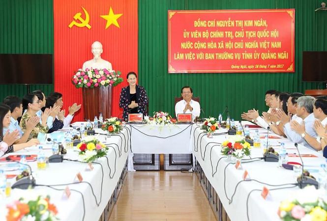 Chủ tịch Quốc hội Nguyễn Thị Kim Ngân làm việc với Ban Thường vụ Tỉnh ủy Quảng Ngãi