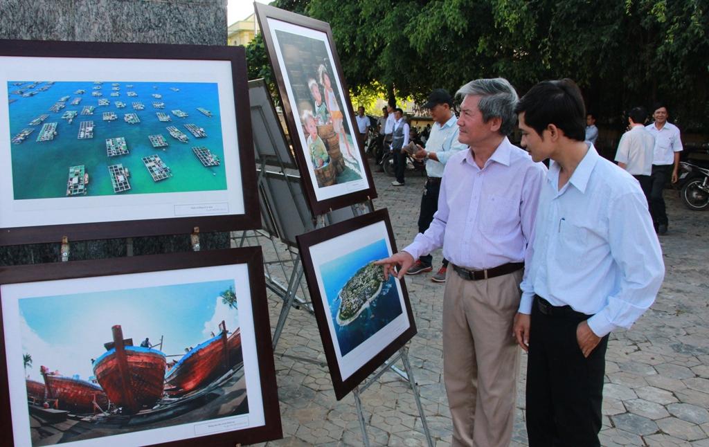 Qua hình ảnh đất đảo tiền tiêu người dân và du khách có cơ hội hiểu rõ hơn về quê hương Hải đội Hoàng Sa
