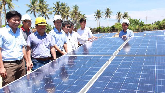Vườn pin không chỉ là nơi tạo ra nguồn điện mà còn là điểm tham quan mới của đảo Bé