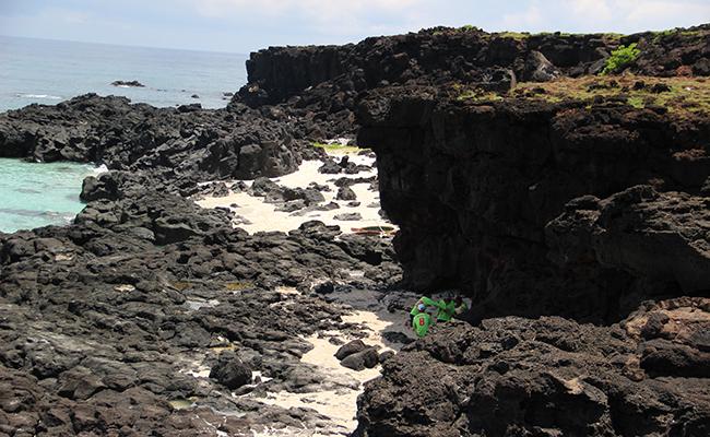 Những thắng cảnh hùng vĩ được tạo thành từ hoạt động phun trào núi lửa cách đây hàng chục triệu năm làm Lý Sơn có vẻ đẹp riêng