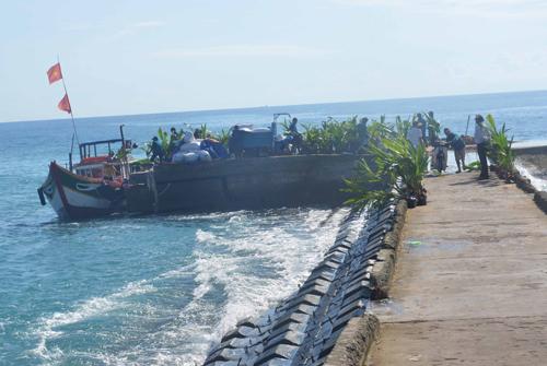 Do ảnh hưởng của bão Khanun, đảo Lý Sơn có gió cấp 6, giật cấp 8