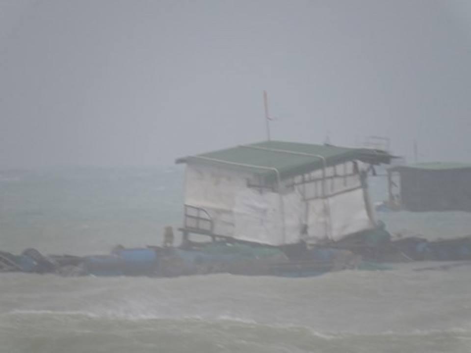 Khắc phục hậu quả do bão gây ra