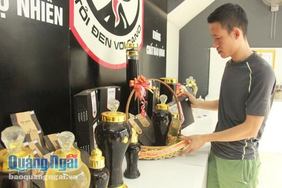 Một cơ sở chế biến tỏi đen với thương hiệu Volcano được hình thành tại đảo Lý Sơn. Hiện nay, ngoài tỏi đen, cửa hàng của anh Phương còn bán các loại sản phẩm liên quan đến tỏi đen, đặc sản của đảo, được nhiều người yêu thích.