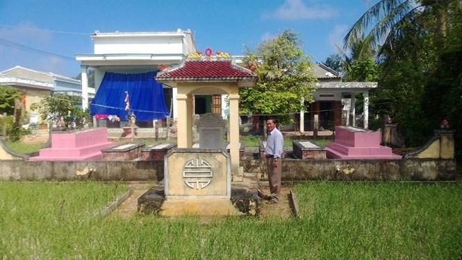 Ngôi mộ gió đầu tiên trên đảo Lý Sơn của đội trưởng hải đội Hoàng Sa Phạm Quang Ảnh