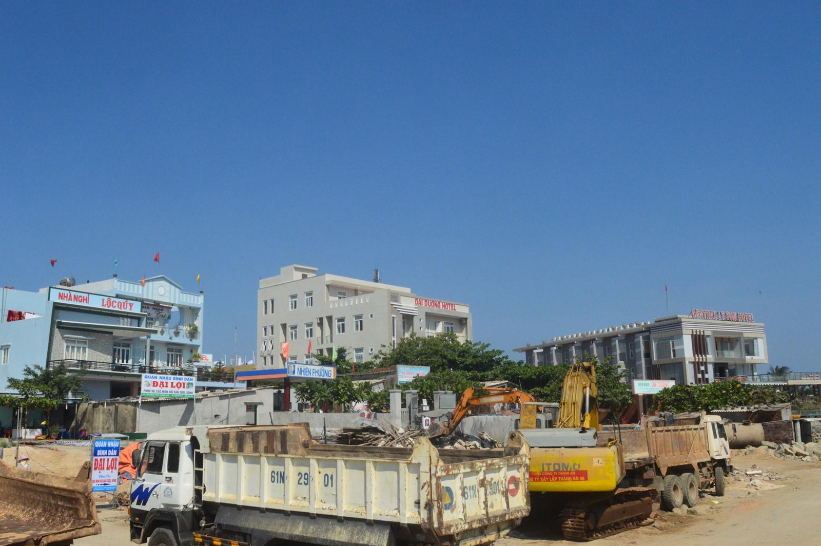 Người dân Lý Sơn thi nhau xây khách sạn cao tầng