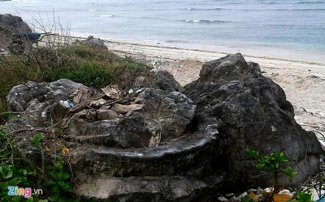 Di sản cổ sinh độc đáo có niên đại 5.000-6.000 năm hình cối xay vừa được phát hiện ở huyện đảo Lý Sơn. Ảnh: Minh Hoàng.