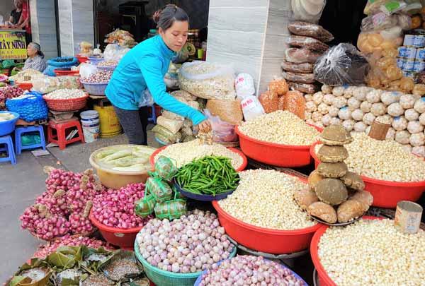 """Khu Bảy Hiền, tôi gọi đó là """"tô giới xứ Quảng"""" tại Sài Gòn, có một ngôi chợ mang tên Bà Hoa."""