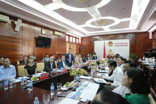 Toàn cảnh buổi làm việc giữa lãnh đạo Tập đoàn FLC và tỉnh Quảng Ngãi trong ngày 8.3.