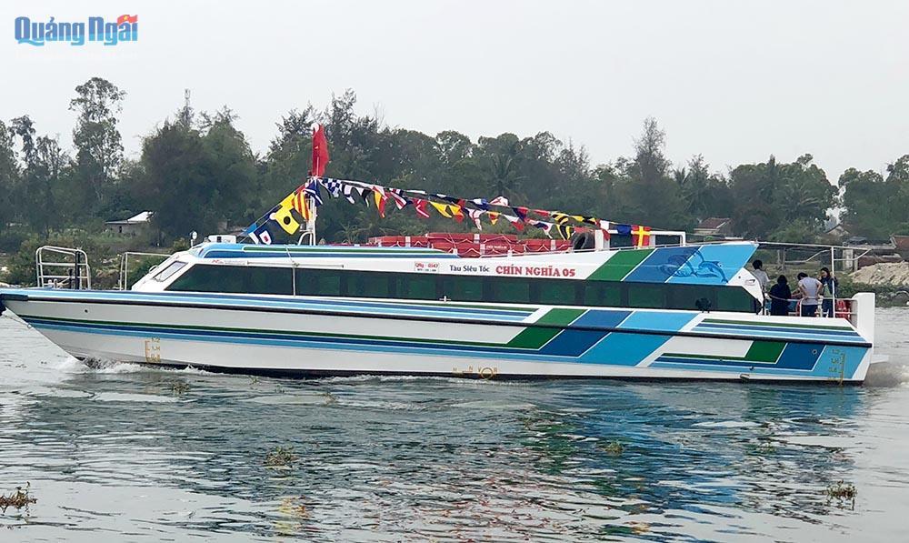 Tàu khách siêu tốc Chín Nghĩa 05 đã hoàn thành chạy thử nghiệm và sẽ đưa vào khai thác vào ngày 21.4 này.