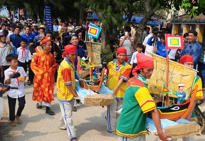 Lễ Khao lề thế lính Hoàng Sa, nghi lễ độc đáo mang đậm văn hóa biển đảo ở huyện Lý Sơn.