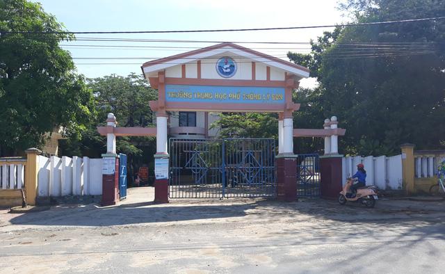"""Hòa chung với sự nỗ lực của học sinh cả nước, trên 200 học sinh lớp 12 huyện đảo Lý Sơn đang """"tăng tốc"""" để bước vào kỳ thi quan trọng"""