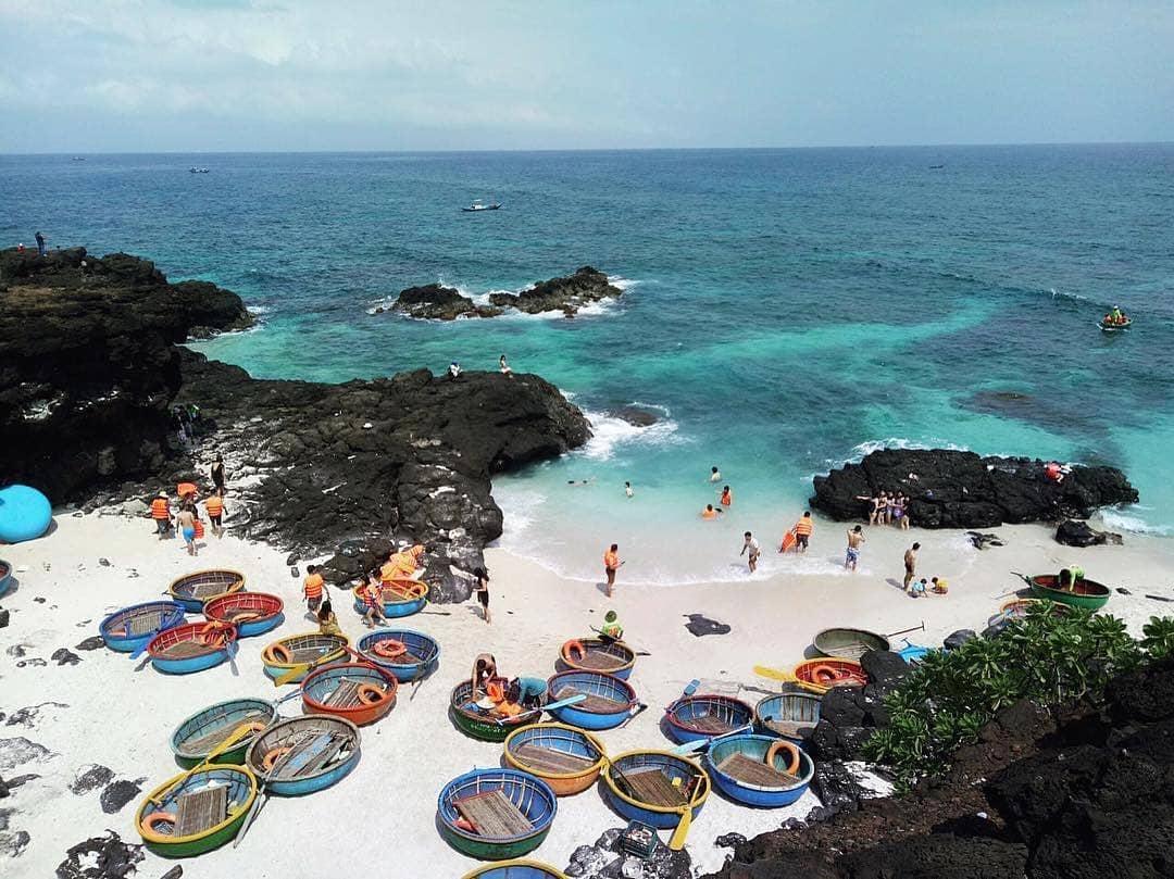 Bãi tắm đảo Bé - Huyện Lý Sơn