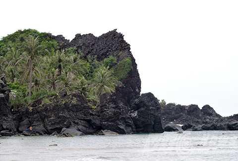 Hang Kẻ Cướp ở Đảo Bé