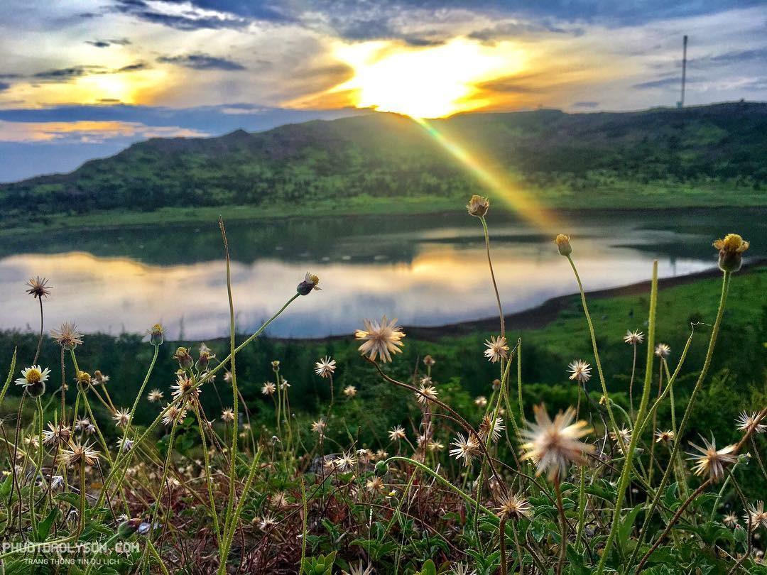 Hồ Nước Ngọt Lý Sơn