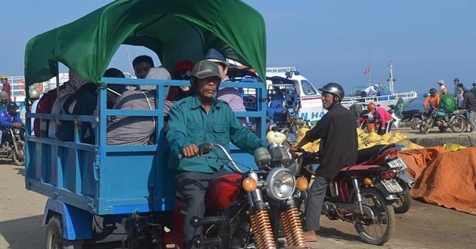 xe tuk tuk trên đảo lý sơn