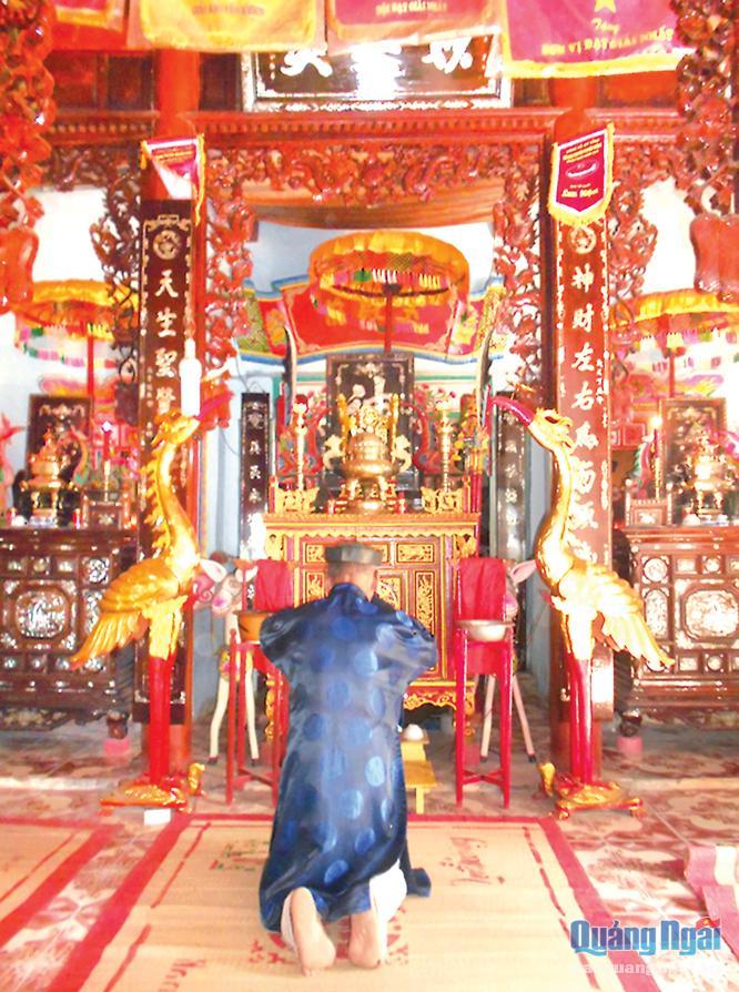 Gian thờ trong lân Vĩnh Hòa.