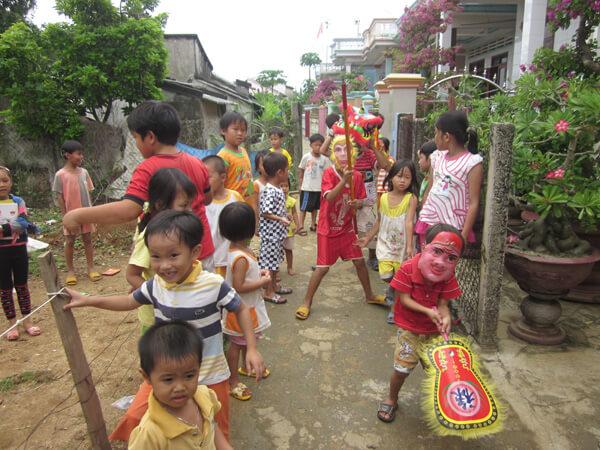 Trẻ em trên đảo háo hức đón Tết Trung thu