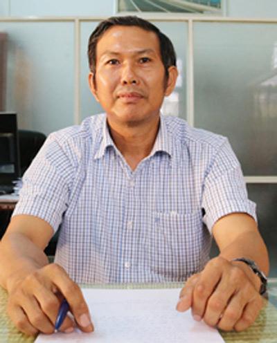 Ông Nguyễn Văn Bảy - Trưởng phòng GD huyện Đức Phổ bị kỷ luật Cảnh cáo do gian lận khi chấm phúc khảo trong kỳ thi tuyển giáo viên 2017-2018 ở địa phương này.