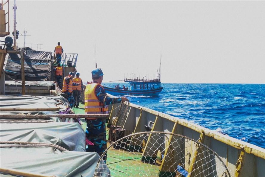 tàu cá quảng ngãi bị hỏng tại vùng biển lý sơn