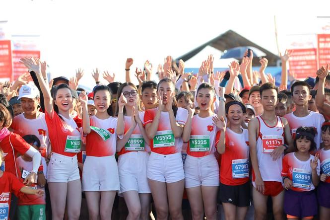 hoa hau tieu vy marathon 2020 12