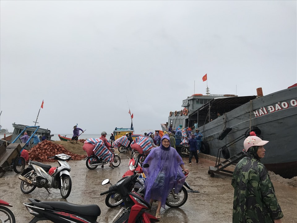 Ngư dân Lý Sơn cũng chuẩn bị ứng phó với cơn bão số 5.