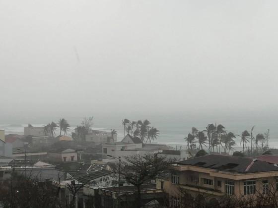 Huyện đảo Lý Sơn đang có gió mạnh cấp 6, cấp 7 vào sáng 11-11