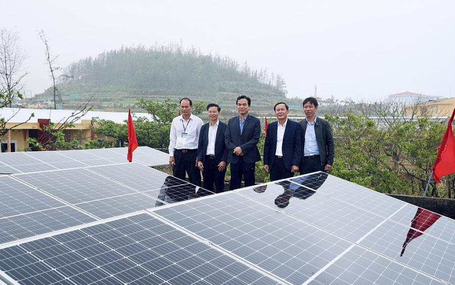 Công trình hệ thống điện mặt trời trên mái nhà tại Trường THPT Lý Sơn