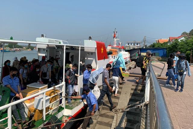 """Có trên 8.000 người dân sẽ """"vượt biển"""" về đảo Lý Sơn đón Tết"""