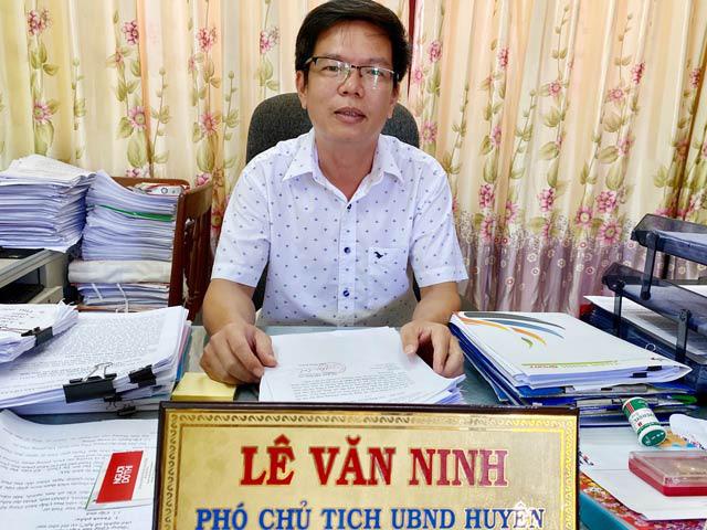 Phó Chủ tịch UBND huyện Lý Sơn Lê Văn Ninh.