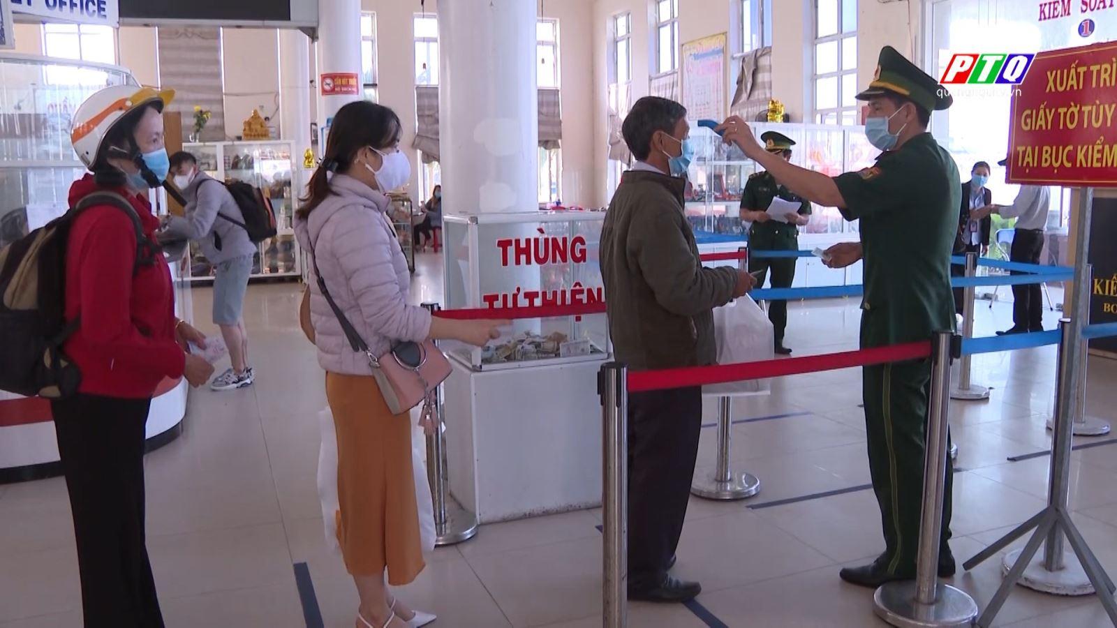 Lượng khách đến với đảo Lý Sơn những ngày qua tăng cao.