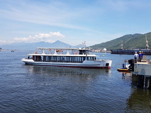Hai tàu du lịch chất lượng cao 4U Danang Yacht (dài 29,8m; rộng 6m; sức chở 98 hành khách) của Công ty TNHH Du thuyền Sông Hàn do Tổng Công ty Sông Thu (Bộ Quốc phòng) đóng mới, hạ thủy tại Đà Nẵng tháng 6/2020 với tổng kinh phí 16 tỉ đồng có khả năng hoạt động cả trên sông và trên biển
