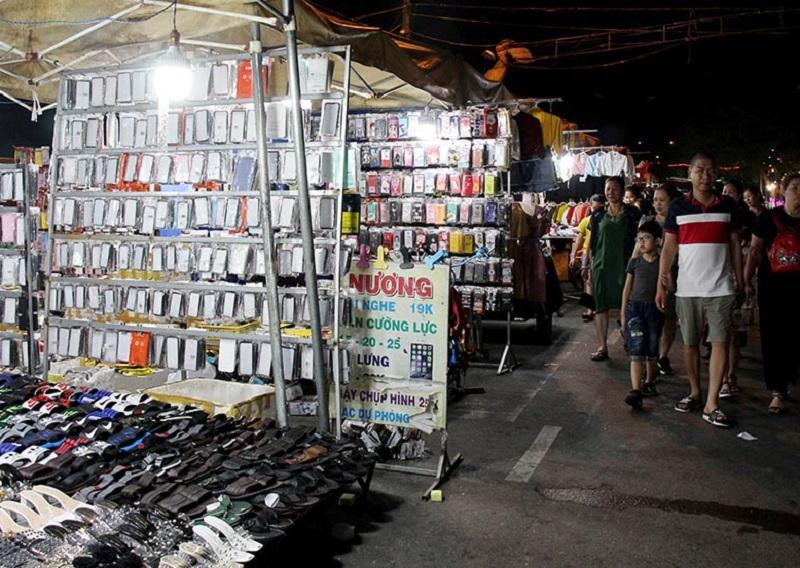 Nguyên nhân lớn nhất khiến chợ đêm Sông Trà bị đóng cửa là do vi phạm Luật Đê điều.