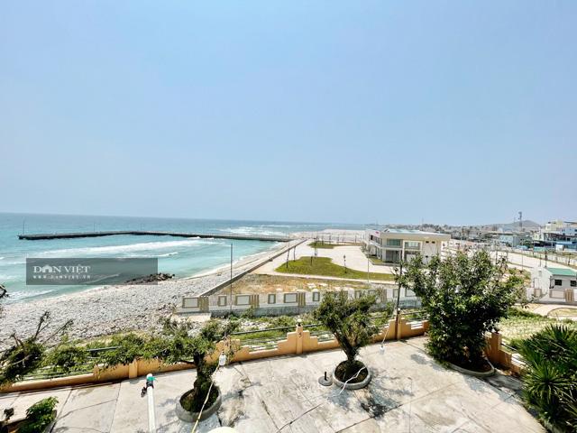 Toàn cảnh cảng Bến Đình nhìn từ xa.