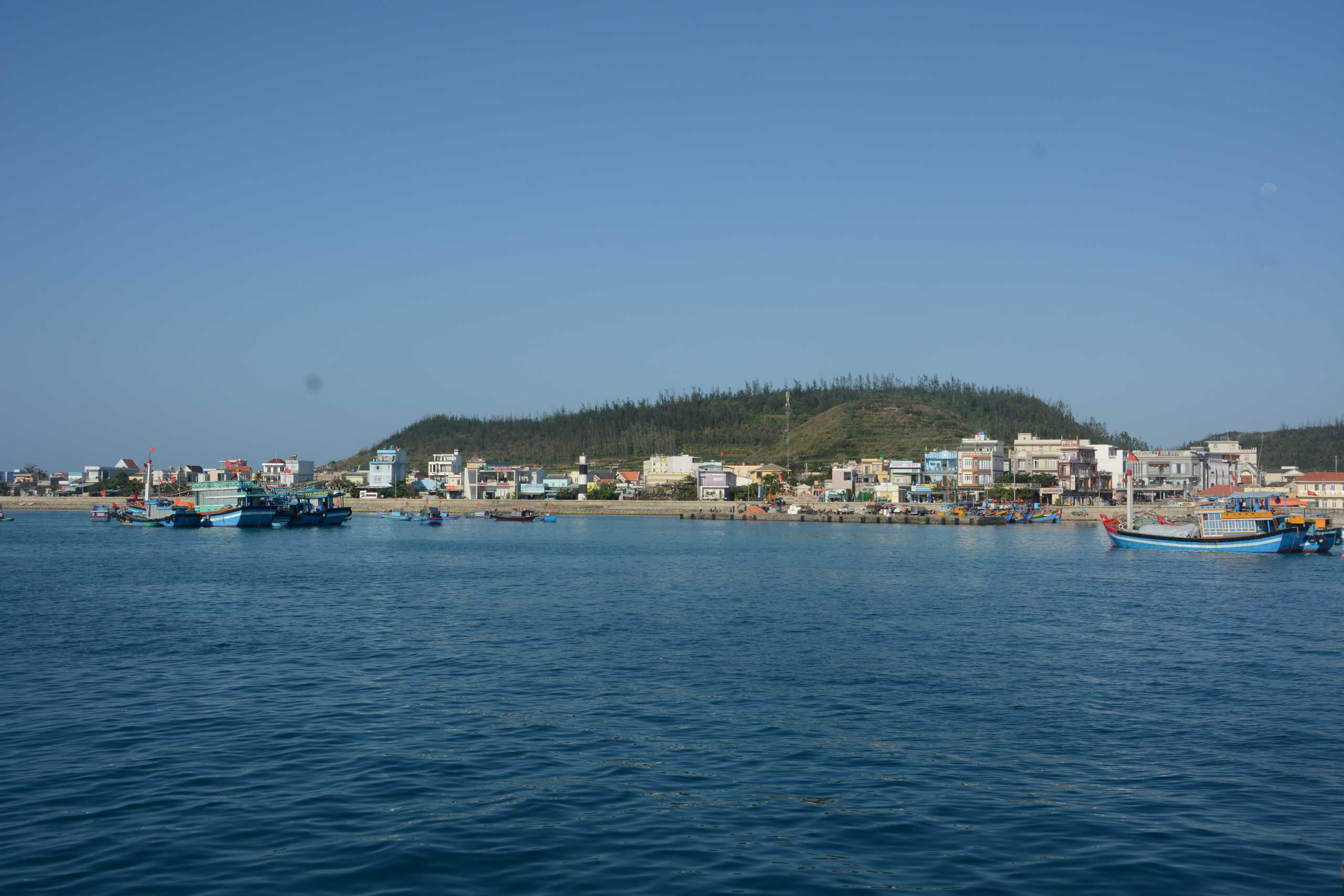 Cảnh đẹp thanh bình trên huyện đảo Lý Sơn