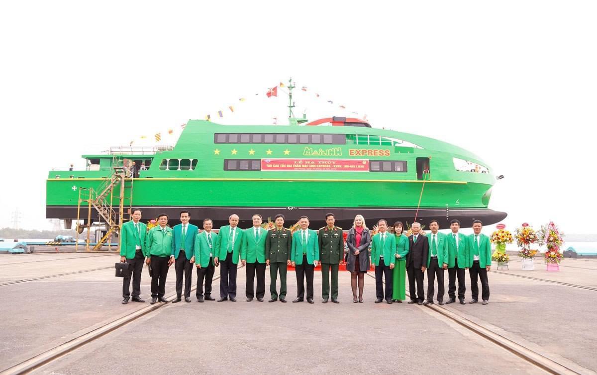 Ban ngành, đơn vị, tổ chức, cá nhân tham quan tàu Mai Linh Express.
