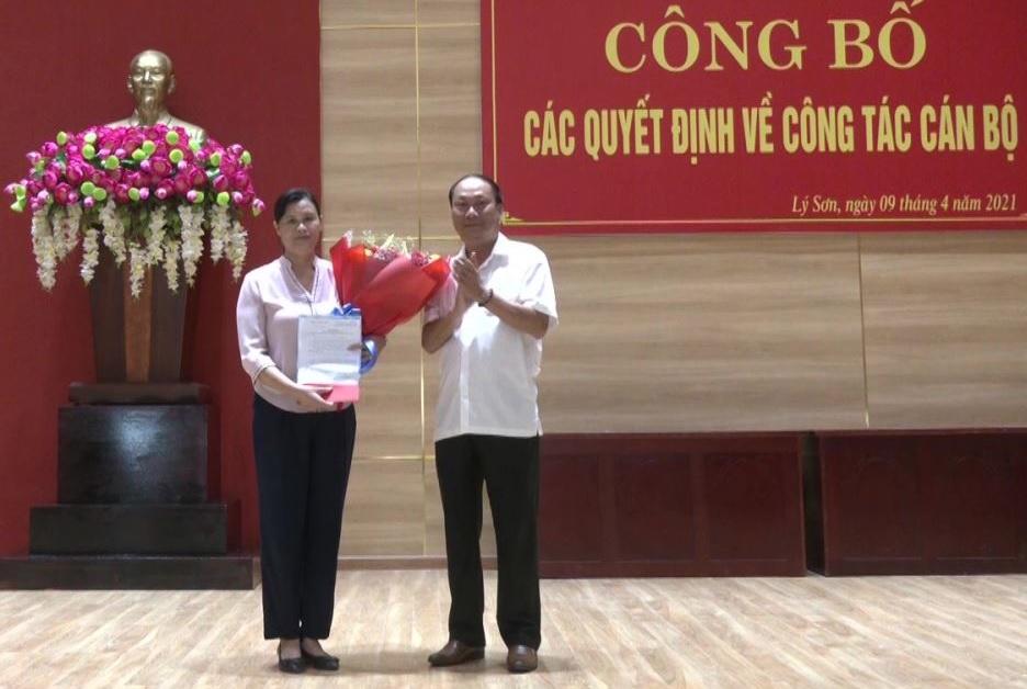 Bà Phạm Thị Hương giữ chức Phó bí thư Huyện ủy Lý Sơn.