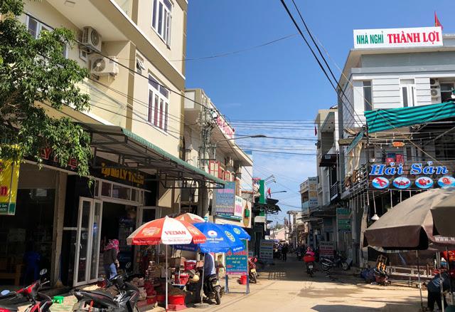 Một góc trung tâm ở phía tây của đảo Lý Sơn.