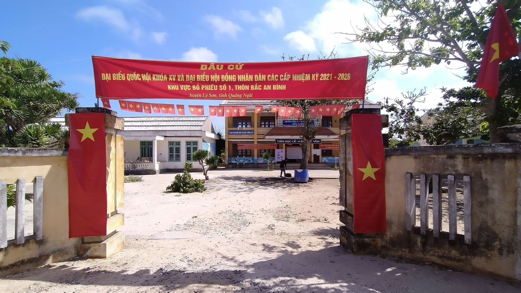 Công tác chuẩn bị cho Ngày hội non sông tại Đảo Bé - nơi chưa có điện lưới quốc gia đã hoàn thành
