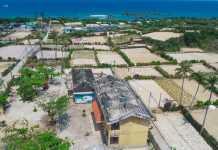 Trường tiểu học số 2 An Vĩnh, Lý Sơn bị tốc mái hư hỏng nặng sau bão số 9 năm 2020