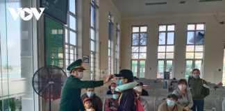 Quảng Ngãi tạm dừng đón khách ra đảo Lý Sơn.