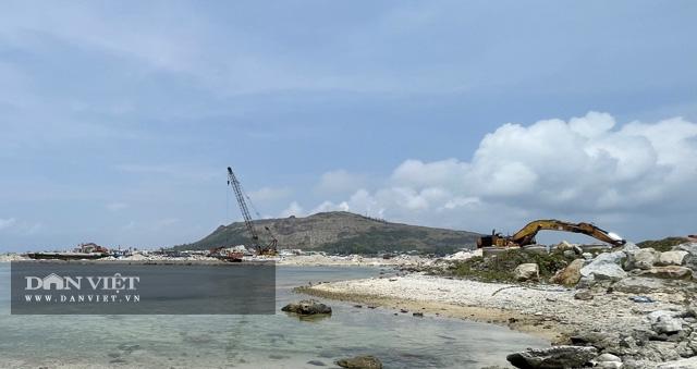 Một góc công trình Vũng neo đậu tàu thuyền.