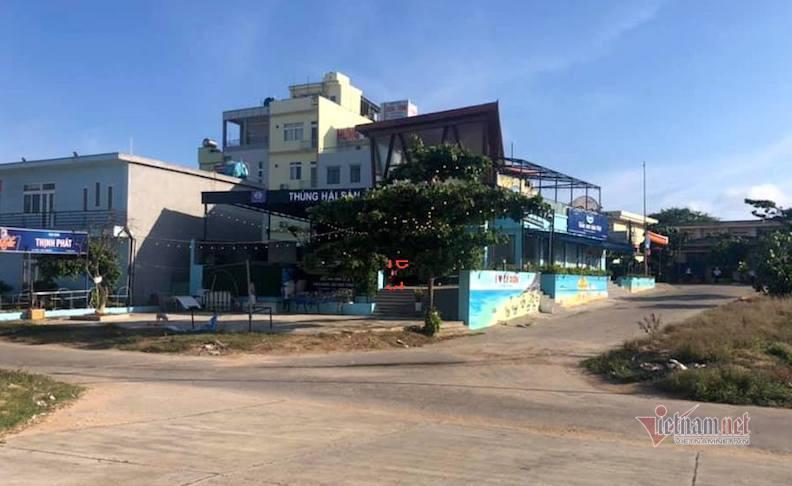 Những nhà hàng lớn trên đảo đều đóng cửa