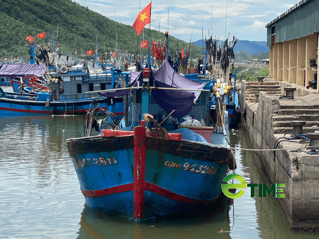 Một góc cảng Phổ Quang, thị xã Đức Phổ.